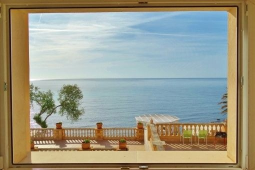 Unmöbliertes 1. Meereslinie Apartment mit Gemeinschaftspool und direktem Zugang zum Meer