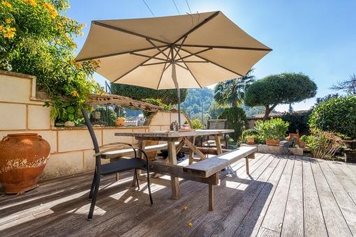 Idyllische Terrasse mit Sitzecke