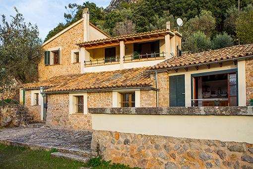 Ländliche Finca mit Meerblick und Olivenbäumen nahe Valldemossa