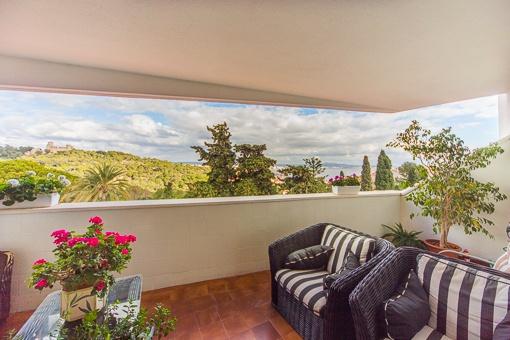 Schönes, helles Apartment mit Meerblick in La Bonanova