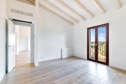 Die Wohnfläche von 300 qm verteilt sich auf 2 Etagen