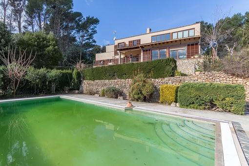 Großes Haus mit Grundstück, Pool und Gästeapartment