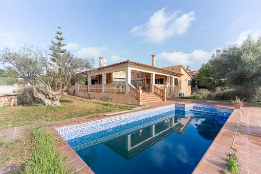 Komfortable Familien-Villa in Palmanähe