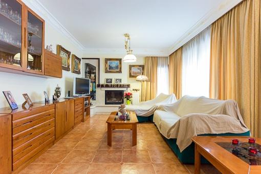 Wohnzimmer Kamin Kaufen : Schönes Haus in der ruhigen Siedlung Sant ...