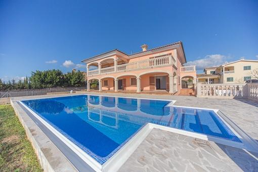 Großes Haus mit Südausrichtung, Pool, Ausblick und Garten in Sa Cabaneta