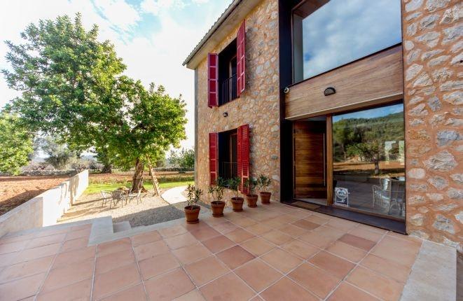 Charmantes Neubau Landhaus im modernen Stil zwischen Selva und Caimari