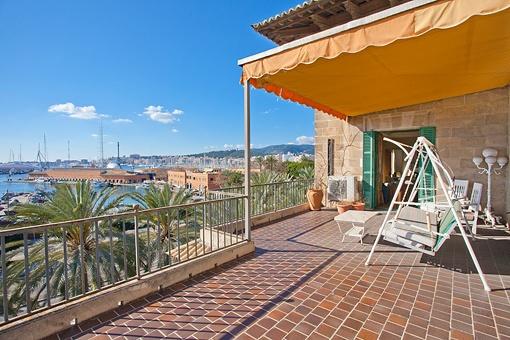 420 qm Wohnung mit spektakulärer Aussicht in erster Meereslinie in La Lonja