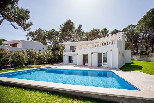 Hochinteressante, moderne Villa mit Meerblick in Font de Sa Cala