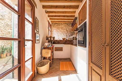 Sonnige Küche
