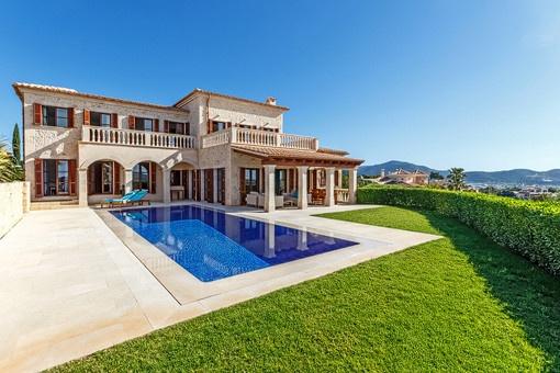 Hochwertige Luxusvilla mit Meer- und Panoramablick