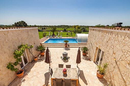 Traumhaft schöne Finca mit 2 getrennten Wohnbereichen und einem separaten Gästehaus - Llucmayor