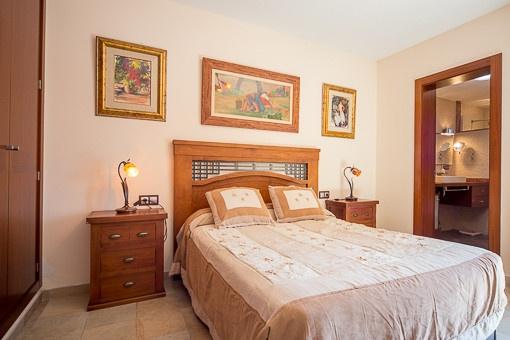 geschmackvoll renoviertes haus mit pool und unverbaubaren meerblick in sa cabaneta kaufen. Black Bedroom Furniture Sets. Home Design Ideas