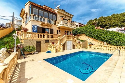 Ausgezeichnete Villa mit Pool nahe dem Ortskern von Portals Nous