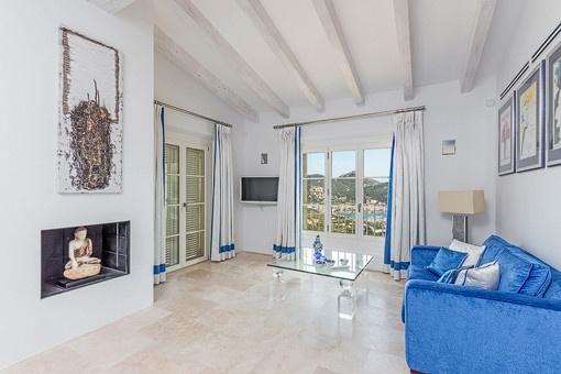 Blick auf das Mittelmeer vom Loungebereich des Hauptschlafzimmer aus