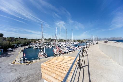 Der bekannte Hafen Cocodrilo in der weiteren Umgebung