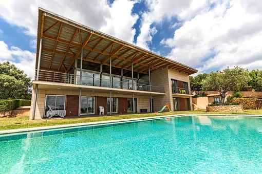 Geräumiges Haus moderner Architektur in der Nähe von Palma