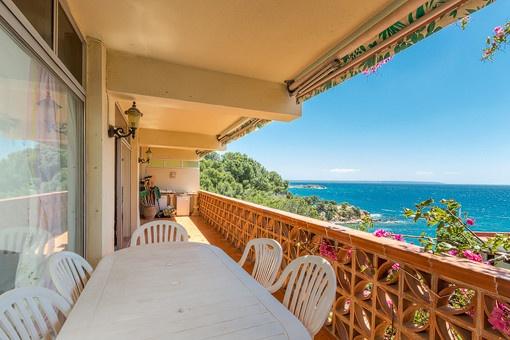 Wohnung mit fabelhaftem Meerblick nur 50 m vom Strand entfernt