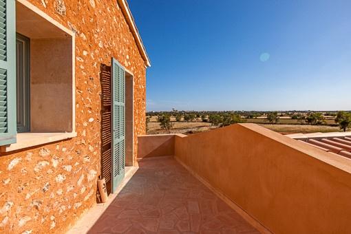 Sonnige Terrasse mit fantastischem Ausblick im oberen Stock