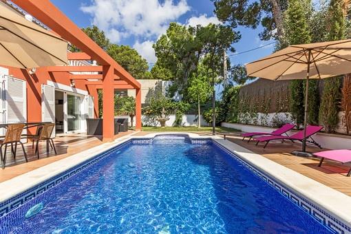 Geräumige Villa in der Nähe des Strandes