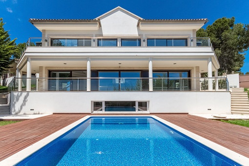 Eine tolle Villa mit fabelhaftem Meerblick in Portals Nous