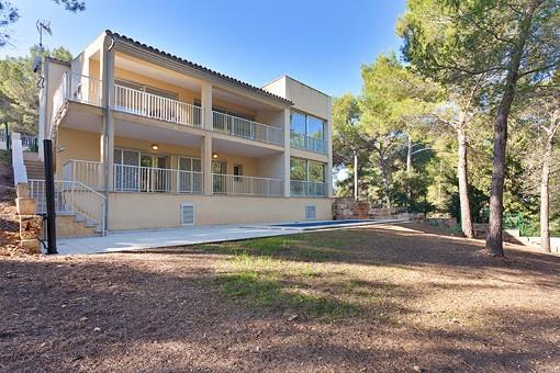 Moderne Villa mit Pool in ruhiger Wohngegend von Bonaire und in Nähe des Golfplatzes von Alcanada