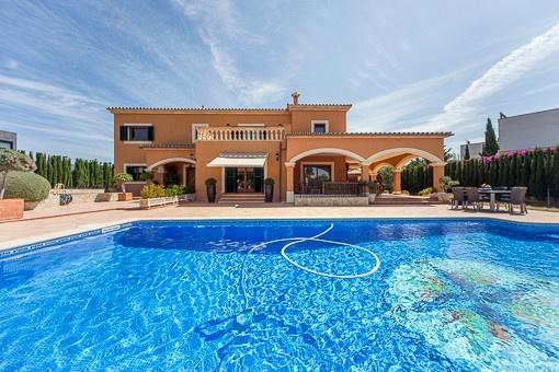 Spektakuläre, sehr helle Villa mit Pool in der Urbanisation Sa Planera