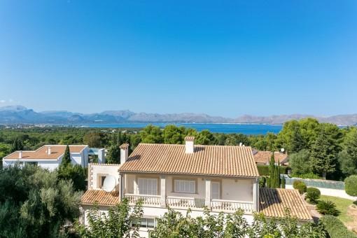 Die Villa bietet einen traumhaften Meerblick