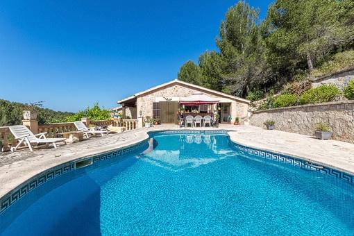 Wunderschöne rustikale Finca mit Pool in Son Font