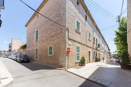 Reformbedürftiges, stattliches Herrenhaus im Ortskern von Binissalem