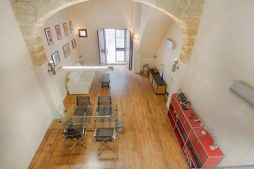 Blick vom Schlafzimmer auf den Wohnbereich
