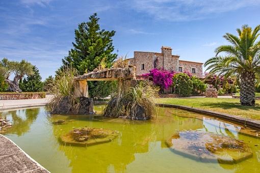 Mediterraner Gartenteich