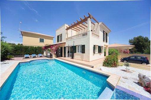 Ansicht des Hauses vom Pool