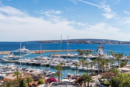 Fantastisches Apartment mit Blick auf den Jachthafen von Portals Nous