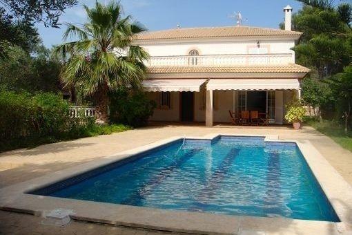 Grosse traditionelle mallorquinische Villa mit Pool in Las Palmeras