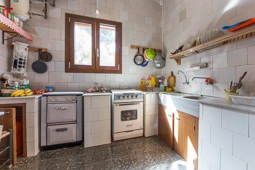 Rustikale Küche im Erdgeschoss