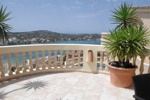 Exklusive Villa in Santa Ponsa mit traumhaften Blick auf die Bucht