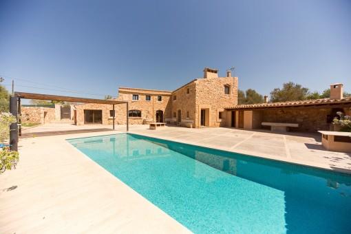 Luxuriös modernisiertes Dorfhaus aus dem 19. Jh....