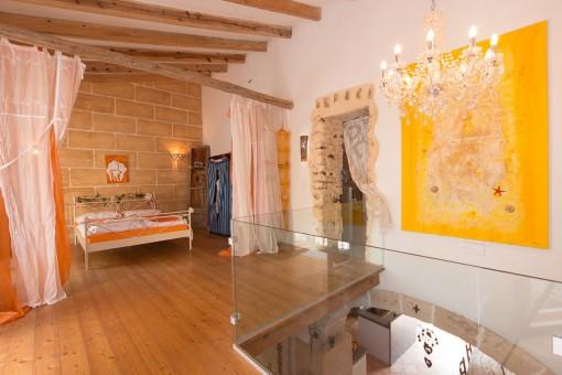 Gallerie mit zwei Doppelschlafzimmern