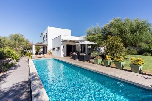 Beeindruckende, minimalistische Villa mit Meerblick und Pool in Sa Cabaneta