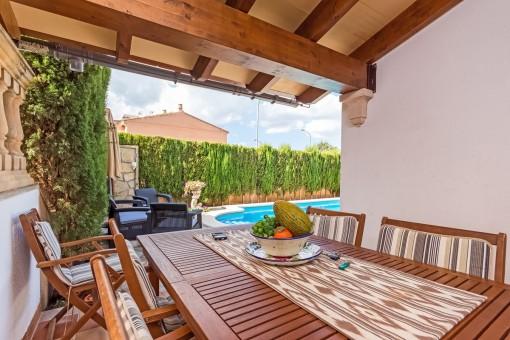Ruhiges Reiheneckhaus am Stadtrand mit Pool, Garten und Garage zwischen Inca und Mancor