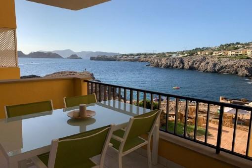 Neu renovierte Wohnung in Santa Ponsa mit fantastischem Meerblick