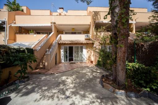 Sehr schönes Reihenhaus mit 5 Schlafzimmern und Garage in ruhiger Gegend von San Augustin zu kaufen