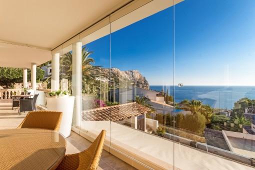 Panoramafenster mit unverbaubarem Meerblick