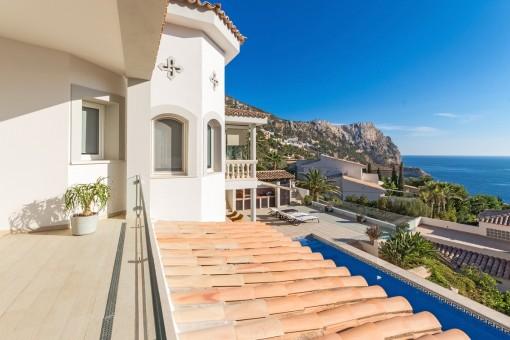 Eine von mehreren Terrassen mit Meerblick