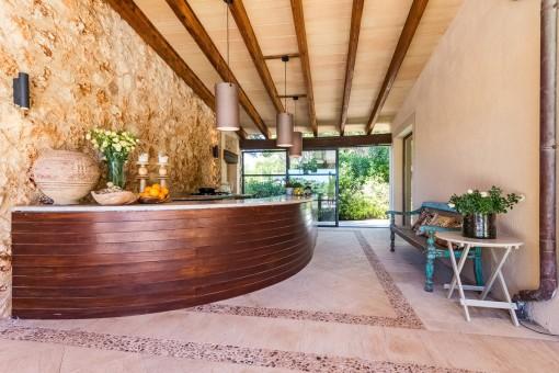 Elegante Außenküche