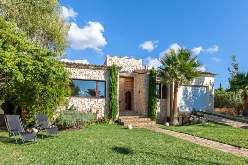 Villa mit orientalischem Flair und modernem Wohnkomfort