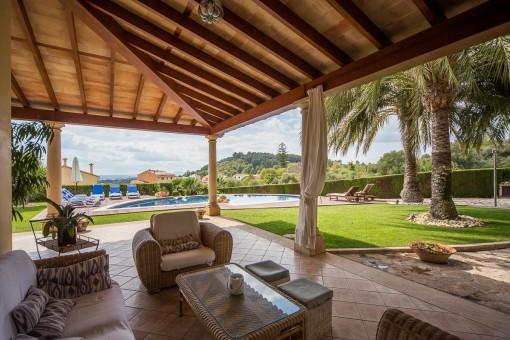 Luxuriöses Haus mit Land, Vermietungslizenz und einzigartigem Weitblick in Selva