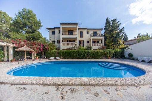 Gepflegtes, gut ausgestattetes Apartment in kleiner Anlage mit Pool in Port de Pollença