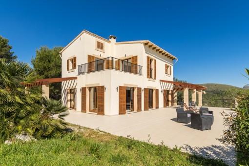 Schöne Finca mit Pool und Gästehaus in Arta