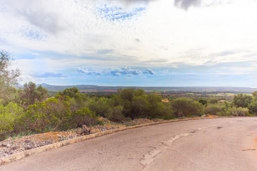 Tolles Grundstück mit Aussicht im höher gelegenen Bereich von Puntiró